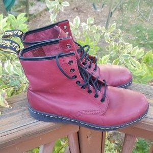 Dr. Martens 1460 8 Eye Boot Men size 10 Leather